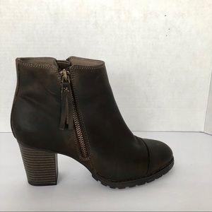 Clark's booties. Size 7,5 M